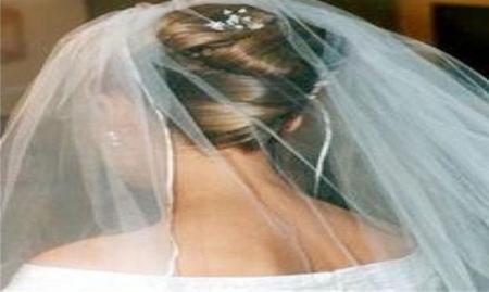 صورة عروسة تنتحر بعد 40 يوماً على زفافها بجرعةً قاتلة من الخلّ بسبب ما طلبه عريسها