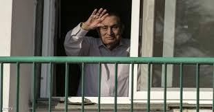 """صورة محامي مبارك يكشف سبب غيابه عن قضية """"اقتحام السجون"""""""