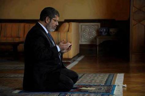 صورة منع الصلاة على مرسي بالأردن والسماح بقبول التعازي