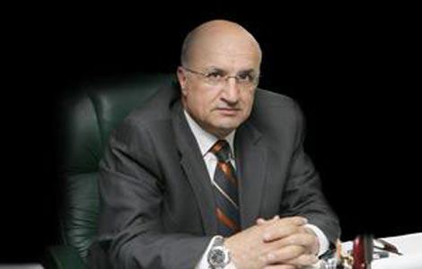 صورة رئيس ديوان ملكي سابق يولم للوزير عويس