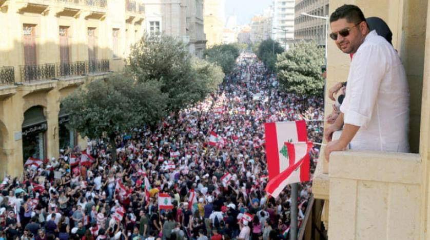 صورة بعد استقالة وزراء جعجع .. الحكومة اللبنانية ماذا ستفعل لتهدئة الشارع؟