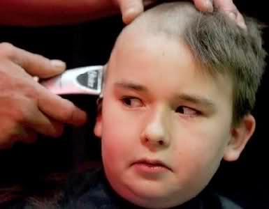صورة بالفيديو…نزاع على حلاقة شعر طفل يؤدي إلى تبادل إطلاق نار