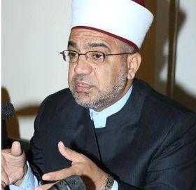 صورة وزير الأوقاف يوجه لجان الزكاة لفتح أبوابها نظرا للظروف الجوية السائدة
